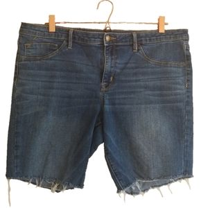 Mossimo shorts distressed mid rise size 18